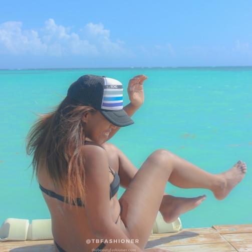 travel blogger 4