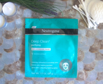 """It_s in the Gel""Neutrogena® Mask Collection 5"